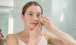 Don't Do These 11 Things If You Wear Daily Disposable Contacts!